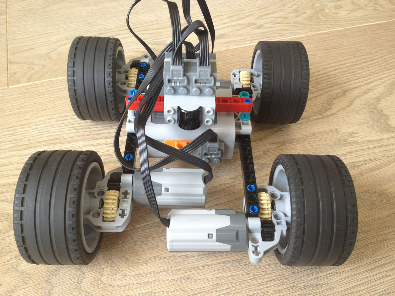 remote control cars off road electric with Building An Off Road Car With Lego Technic on Rc Trucks 4x4 likewise Rc Ford Fiesta St Rally Traxxas 110 Scale additionally Building An Off Road Car With Lego Technic in addition Showroom model besides 1726543848.