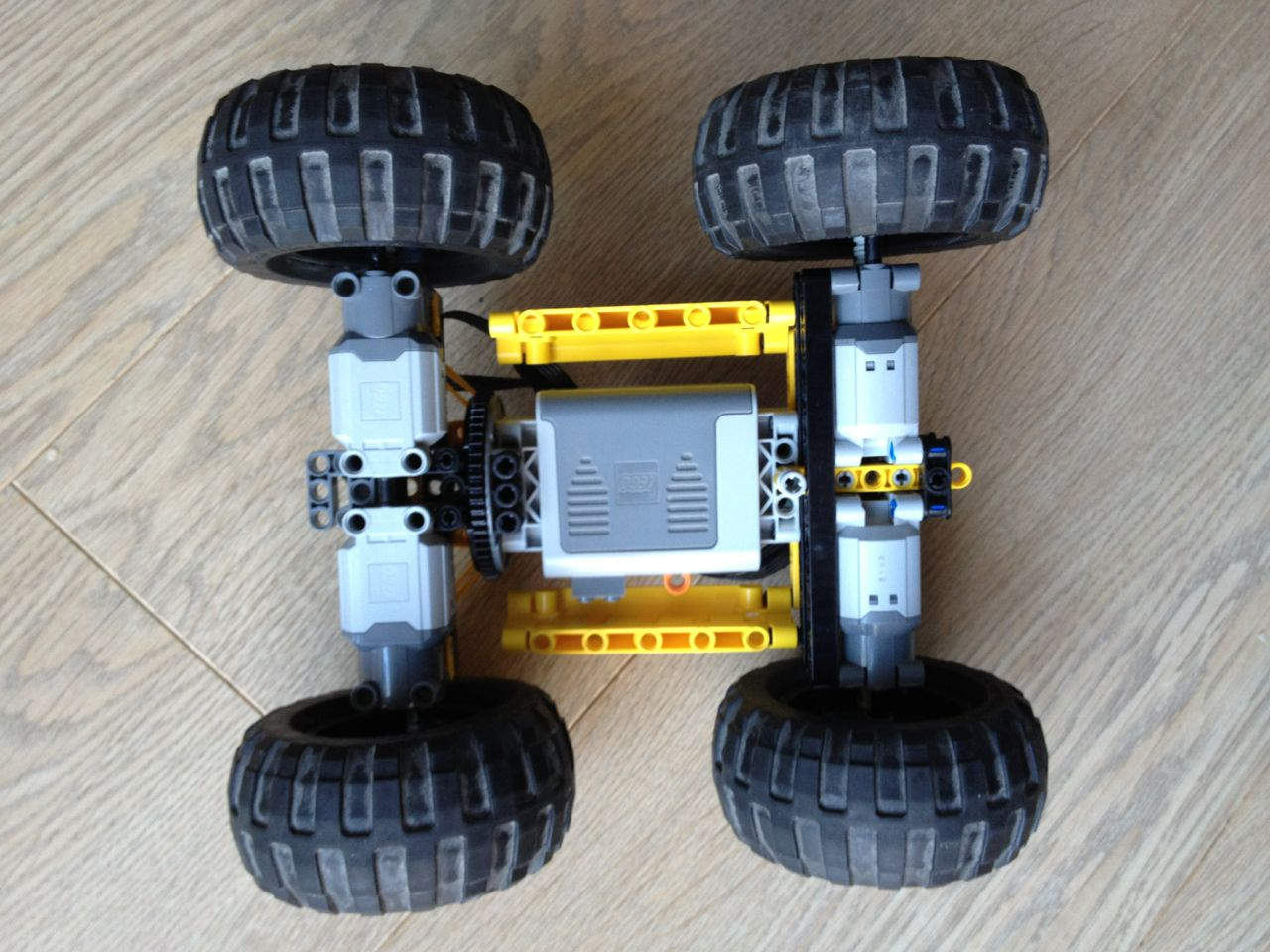 Building An Off Road Car With Lego Technic Christoph Bartneck Phd Very Simple Radio Control R C Final